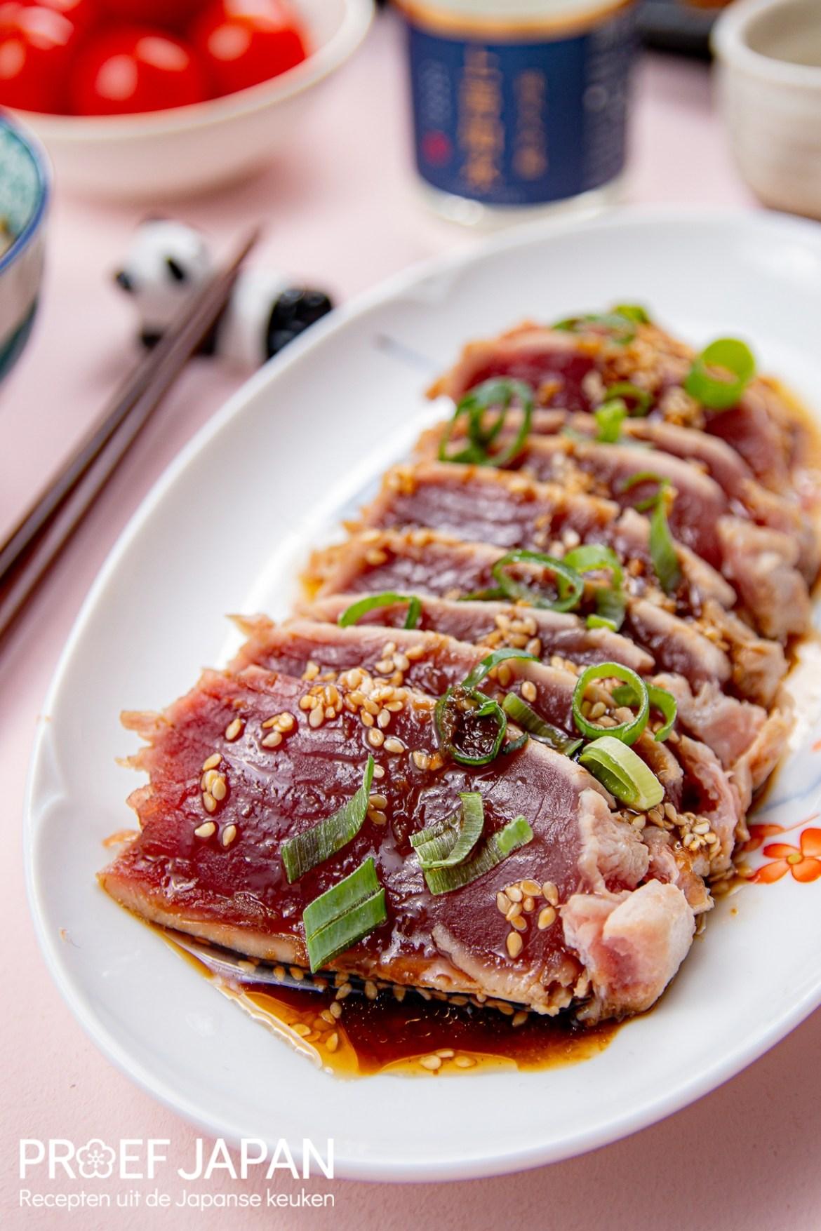 Proef Japan foto van Tonijn Tataki. Kort gebakken tonijn met een heerlijke saus.