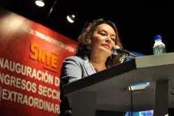 Encabeza Elba Esther lista de mexicanos más corruptos, según Forbes.