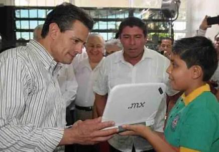 El Presidente durante su visita en Tabasco para dar el banderazo al programa Mi Compu.Mx