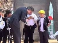 """#VIDEO Niña de primaria a Nuño: """"no se dice 'ler'; se dice 'leer'"""""""