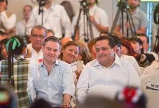 Aurelio Nuño y el Gobernador de Baja California Sur, Carlos Medoza Davis