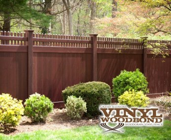 A beautiful addition to any yard, this V3700 straight Victorian picket top privacy panel is done in a Mahogany finish.