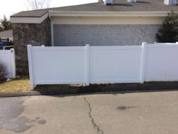 V300 - An Illusions vinyl fence T&G privacy panel.