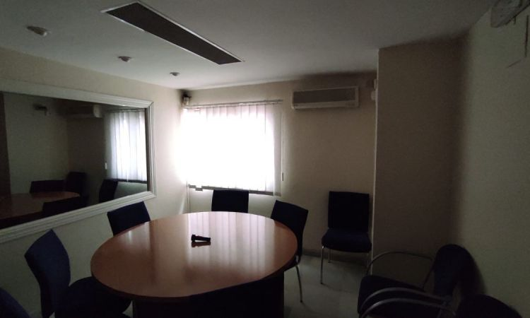 Oficina en Puerta Osario Sevilla Profesiolan 12
