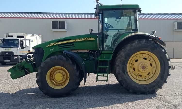 John Deere 7720 Agrotec 45
