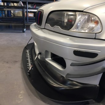 BMW with Professional Awesome Racing Splitter Supports 4