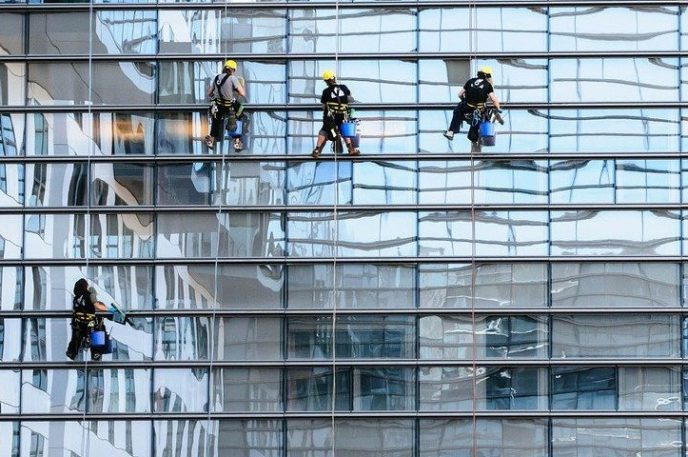 glass-facade-window-cleaning