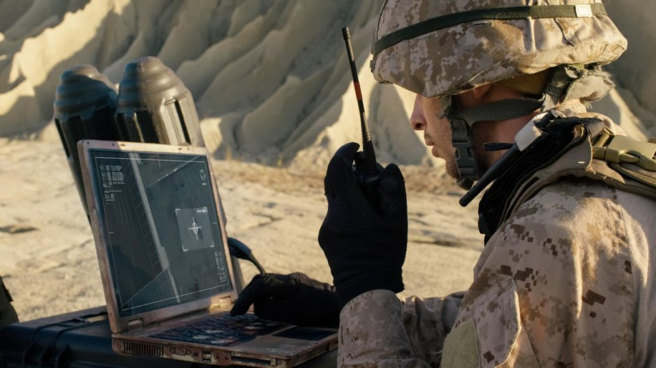 soldier-is-using-laptop-computer.jpg