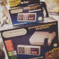 NES Mini: Your Moronic Free Guide & Its 5 Grooviest Games!
