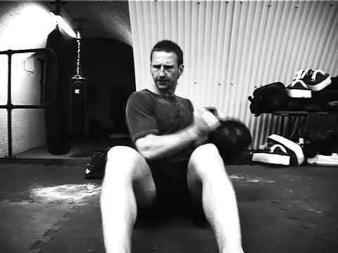 Russian Twist: Kettlebell Workouts