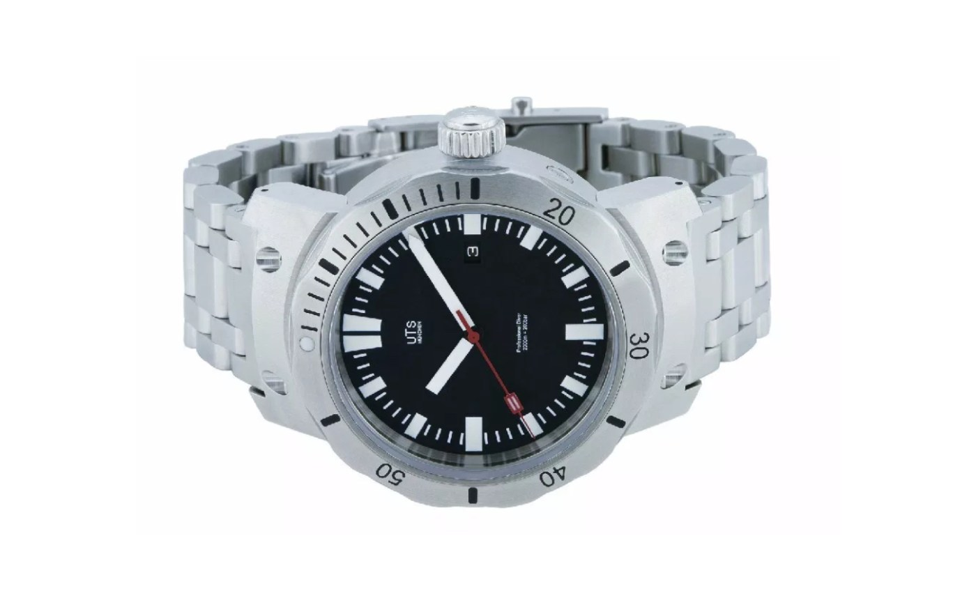 UTS 2000M Professional Diver Watch