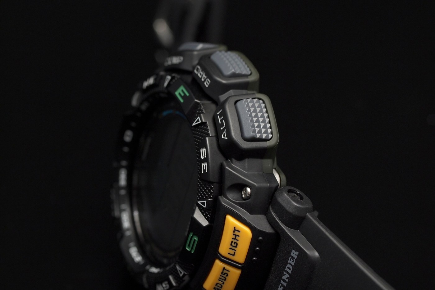 Casio Pathfinder Triple Sensor Multi-Function Sport PAG240-1CR function buttons
