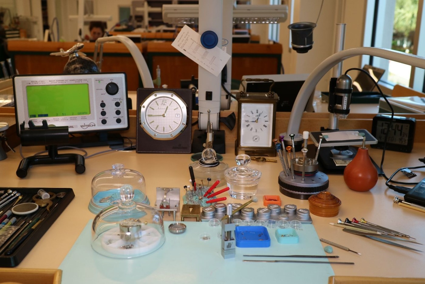 High complication watchmaker's bench