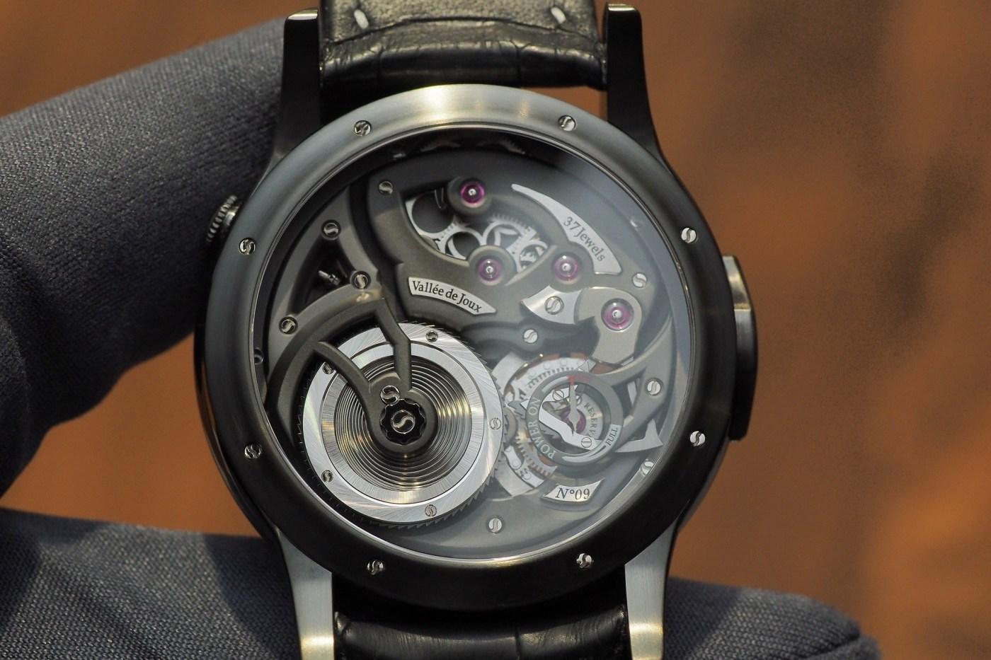 Romain Gauthier Logical One black titanium caseback