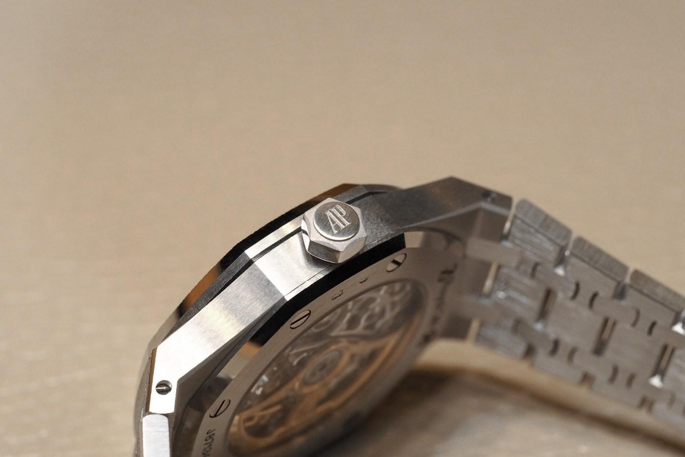 Royal Oak Extra-Thin Titanium and Platinum Hands-On