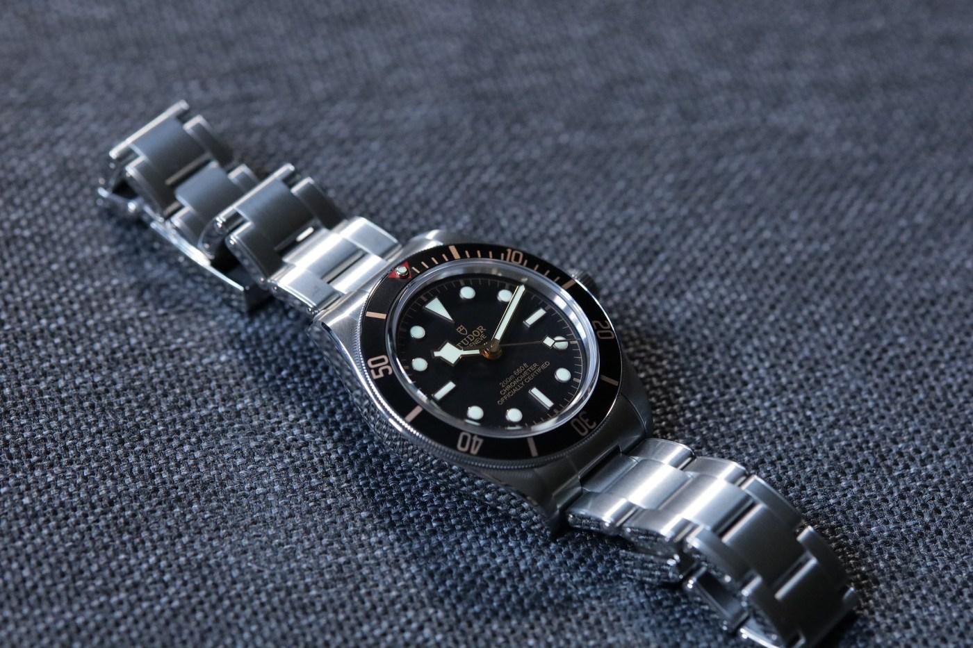 Black Bay 58 polished case and bracelet flanks