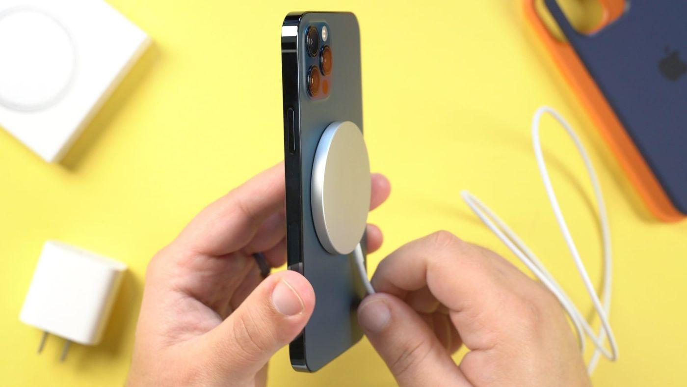 iPhone 12 MagSafe MacRumors