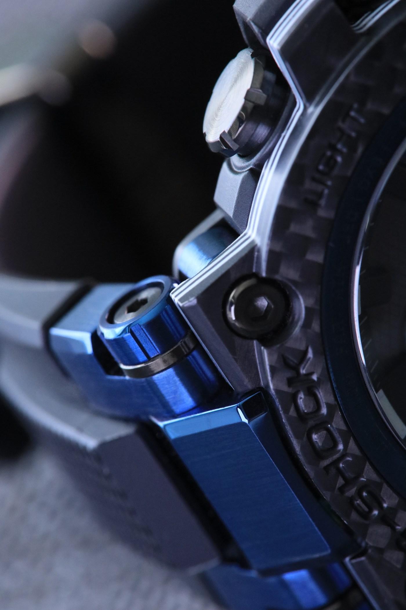 G-Shock MT-G Carbon Fiber MTGB1000XB-1A case detail