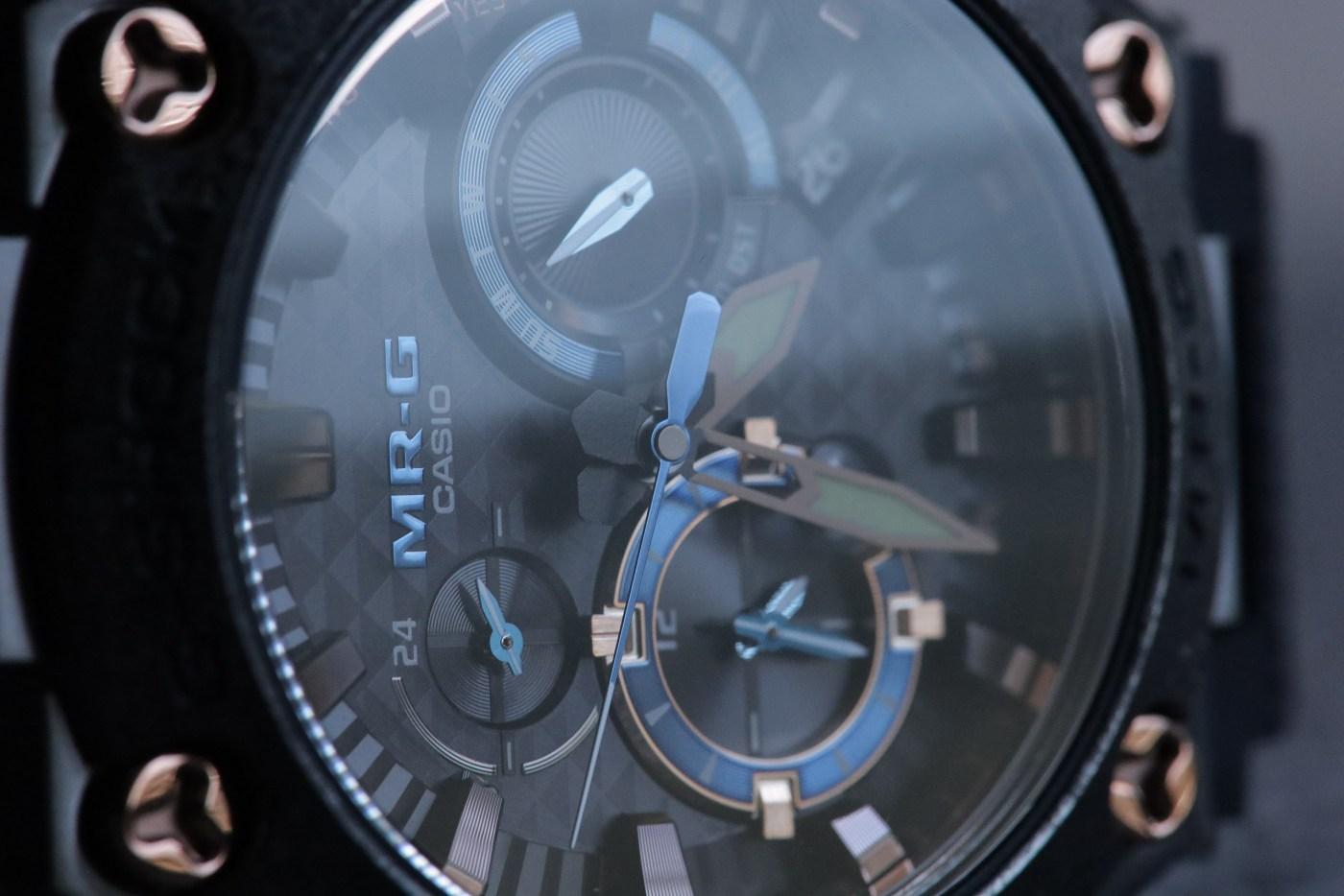 """MR-G 'Kachi-Iro"""" MRG2000R-1A dial close-up"""