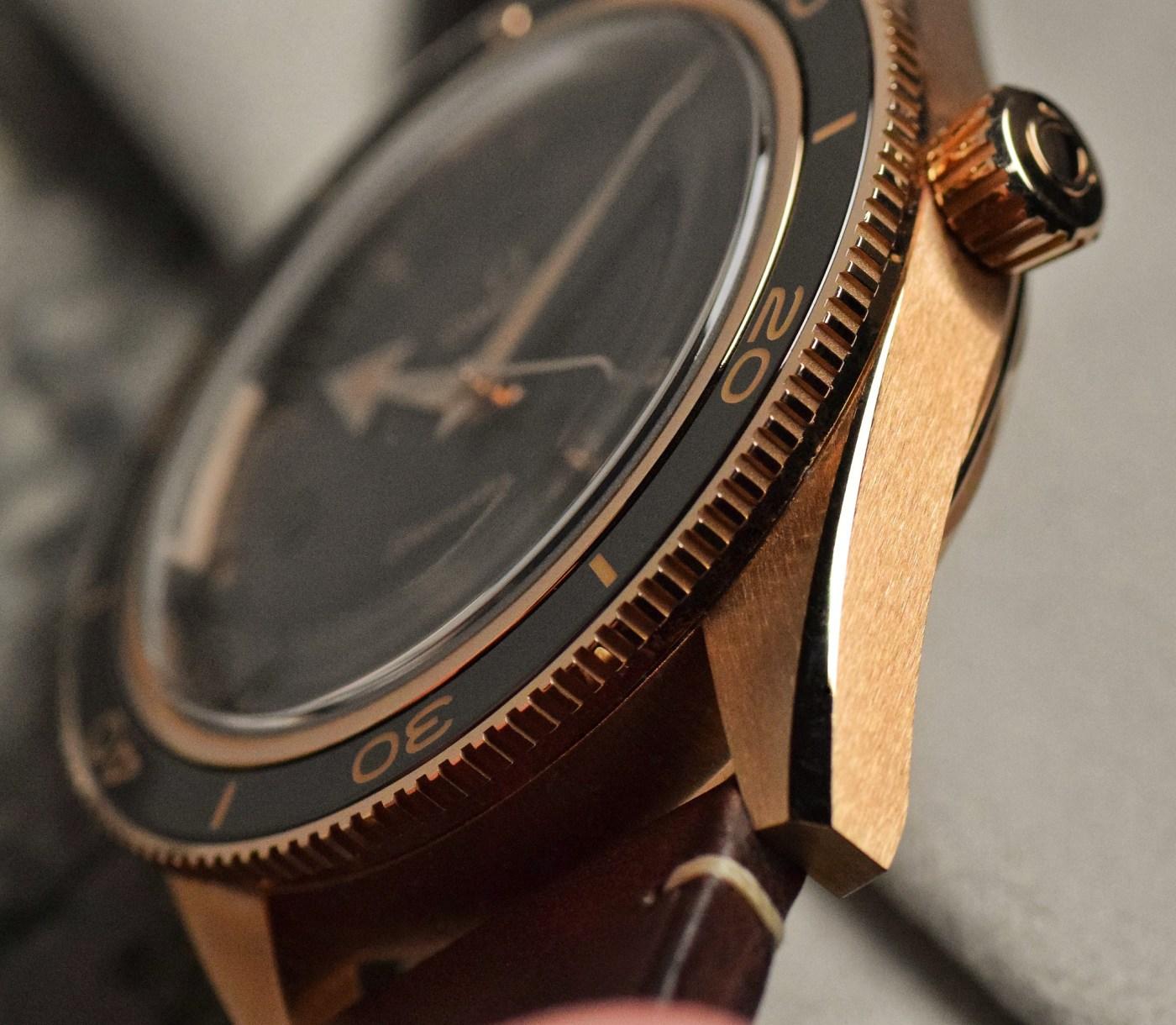 Omega Seamaster 300 Co-Axial Master Chronometer Bronze Gold 234.92.41.21.10.001