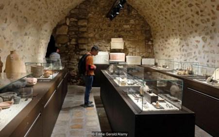 Achados arqueológicos mostram como era a vida na época de…