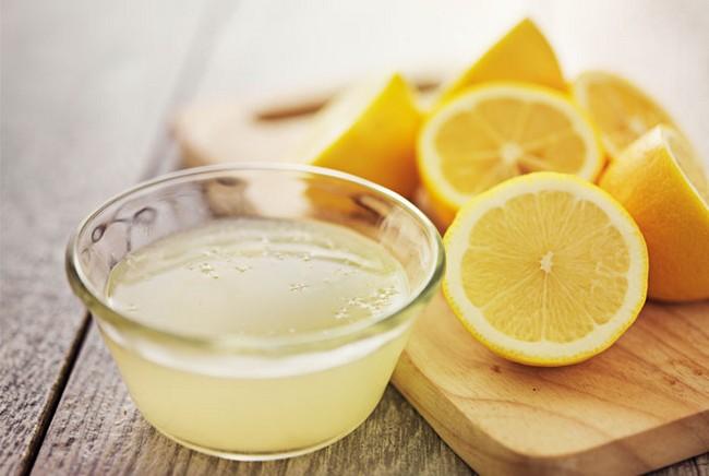 Sapu Air Lemon untuk Tips Muka Glowing