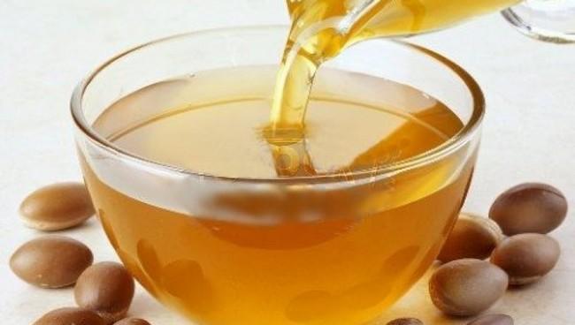 Kelebihan Minyak Argan dan Castor Untuk Merawat Kulit Wajah minyak-argan-muka