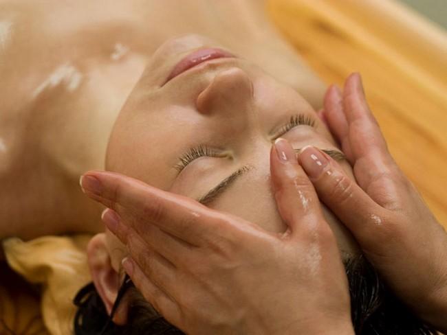 Kelebihan Minyak Argan dan Castor Untuk Merawat Kulit Wajah urutan-minyak-muka-face-oil