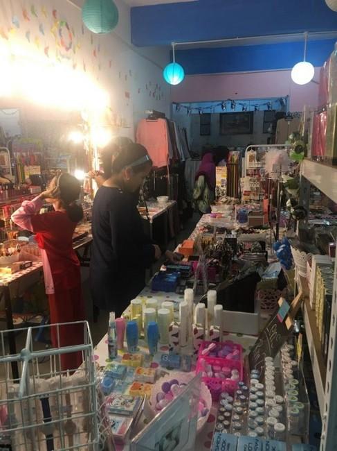vendor-butik-di-merata-tempat
