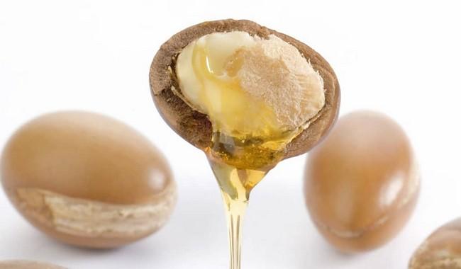 Tip Hilangkan Jerawat Dan Kulit Berminyak argan oil