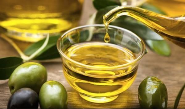 minyak zaitun dalam coffee scrub by marni