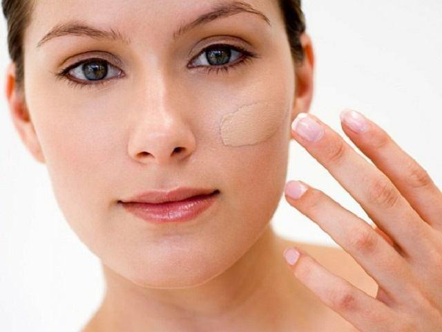 tips memilih bedak asas untuk kulit sensitif