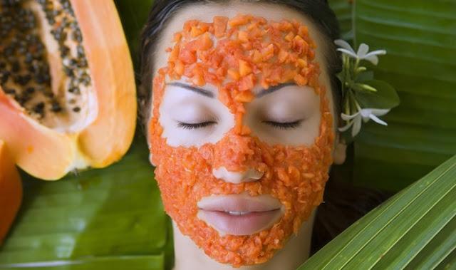 cara cerahkan muka dengan tomato