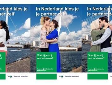 Beeld van posters met tekst In Nederland kies je je partner zelf