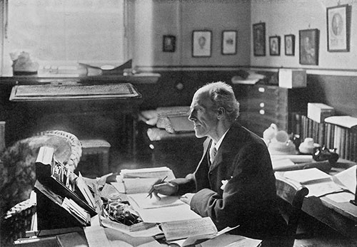 Profesor Karl Pearson at desk in Francis Galton Laboratory for National Eugenics