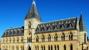 Oxford Museum of Natural History exterior on a bright, sunny day | ProfJoeCain