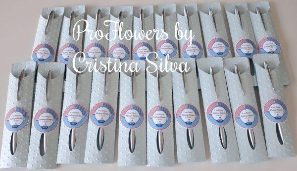 Caneta em base de cartolina com etiqueta personalizada 3