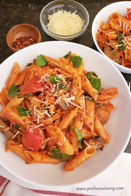 Penne Rosa – Pasta in Tomato Cream Sauce – Instantpot