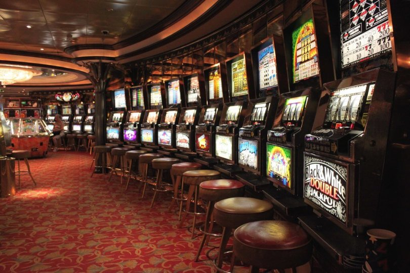 What is online casino? How do it work and Can you win ?