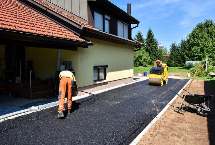 How To Choose The Right Driveway Paving Company (1)