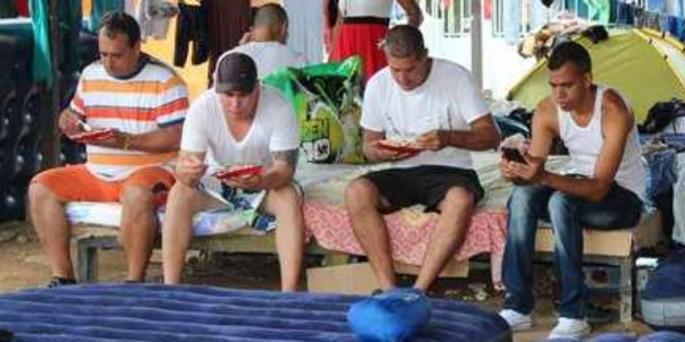 Cuban migrants will be flown from Costa Rica to El Salvador