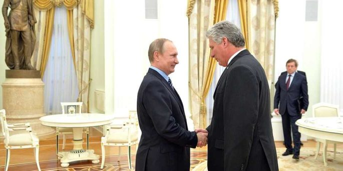 Putin welcomes Díaz-Canel to the Kremlin