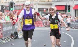 echtpaar_loopt_marathon
