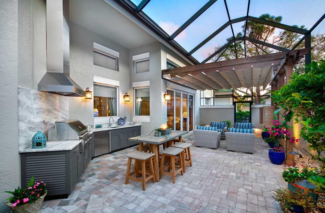 8 Outdoor Kitchen Design Trends For Southwest Florida Home