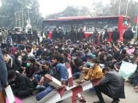پاکستان: حکمرانوں کی غلیظ سیاست سے بیگانہ نوجوان