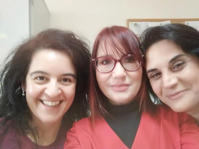 Τρείς σημαντικές απώλειες θα μετρά σε λίγο καιρό το Νοσοκομείο Πύργου. Οι δυο Παθολόγοι Μαρία Καλαπόδη (αριστερά) και Θεοδώρα Νικολοπούλου (δεξιά) και η μοναδική Ενδοκρινολόγος Νίκη Αγαλιανού…