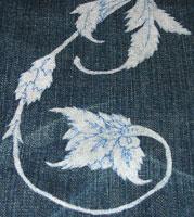 узор на джинсах