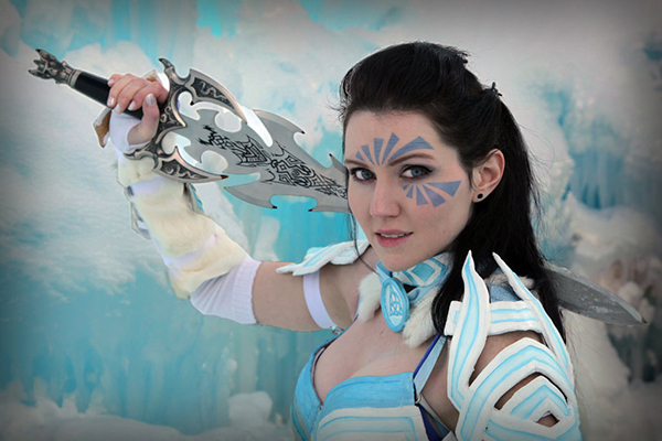 guild_wars_2_cosplay__norn_cultural_armor_tier_3_by_andraia63-d72saoy