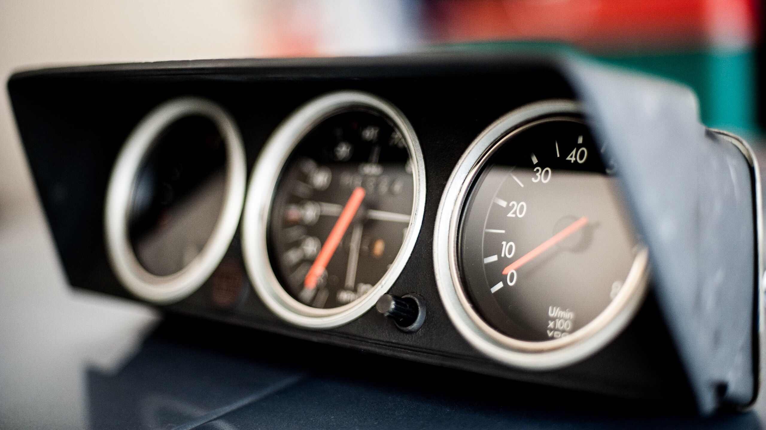 Bavarian Restoration custom gauge cluster for BMW 2002
