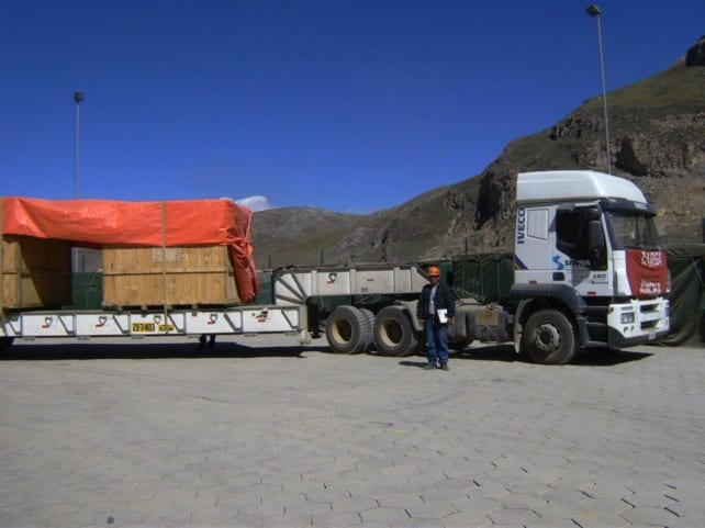 Savar trucking oversized cargo in Peru